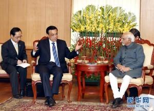 5月20日,中国国务院总理李克强在新德里会见印度副总统兼联邦院议长安萨里。